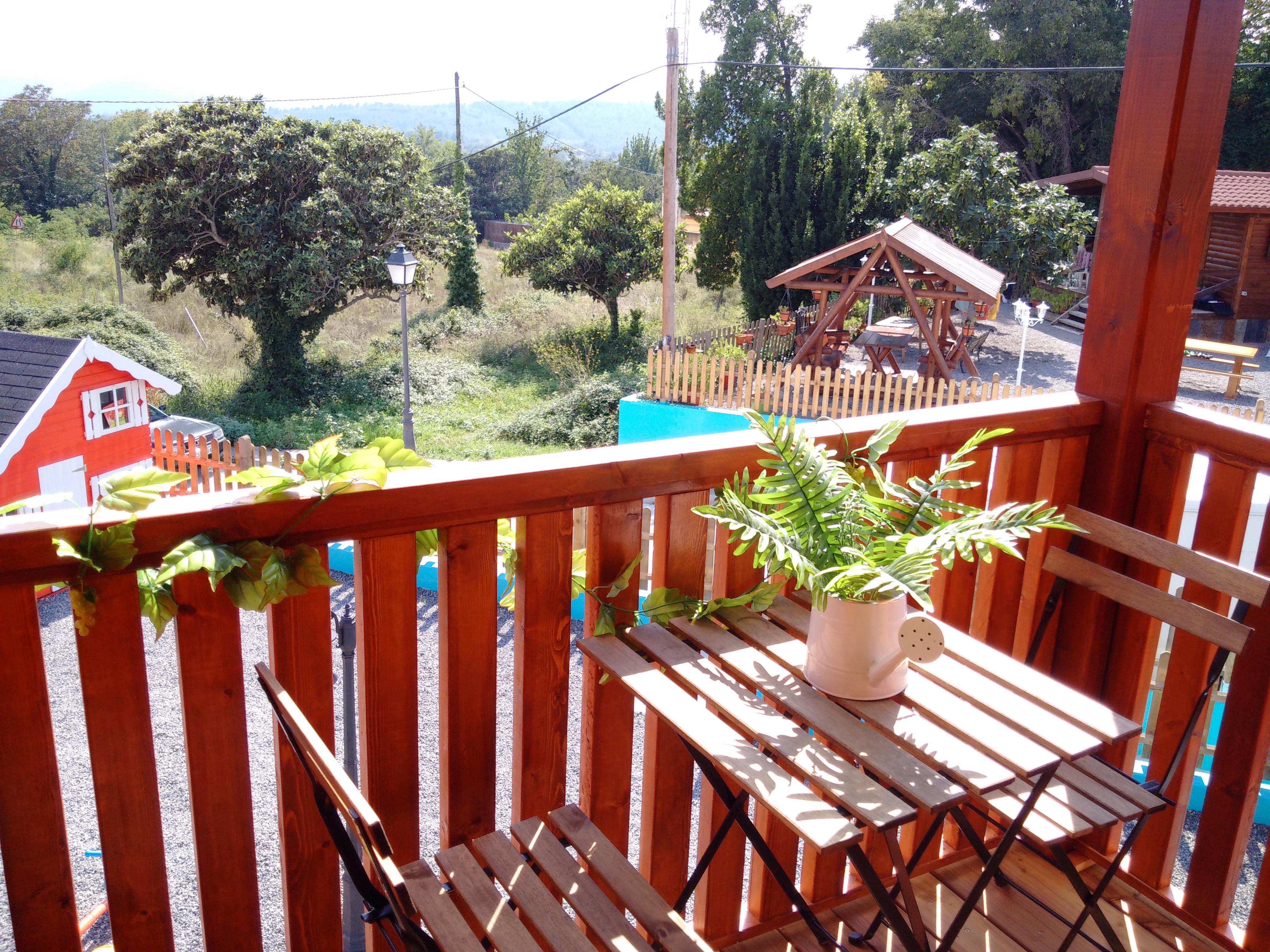 Cabañas Caudiel terraza y vistas desde cabaña Sierra